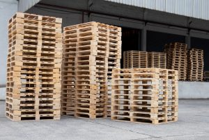 How Wooden Pallets Could Be Damaging Your Cargo